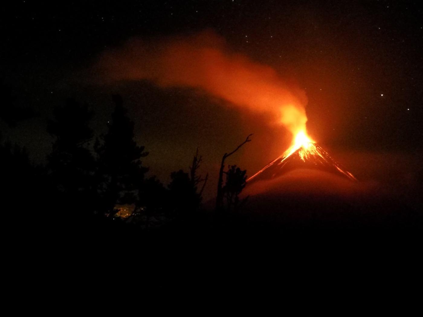 acatenango volcano eruption